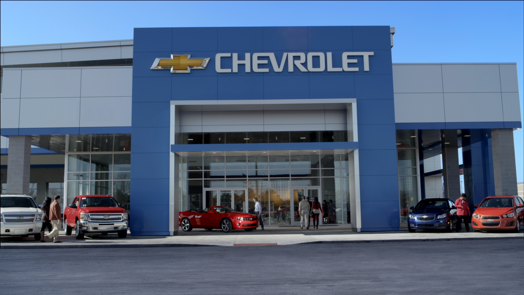 picture of the main entrance of Chevrolet dealership