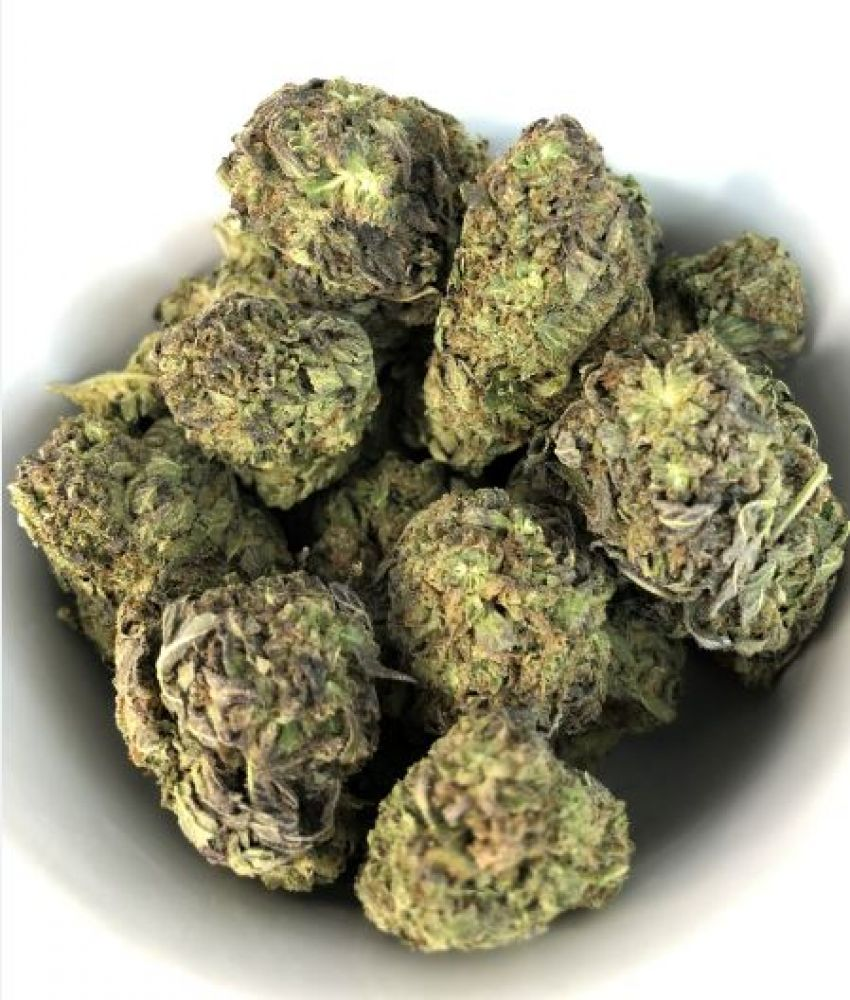 photo of marijuana weed buds special buy offer for 1 ounce get half ounce free